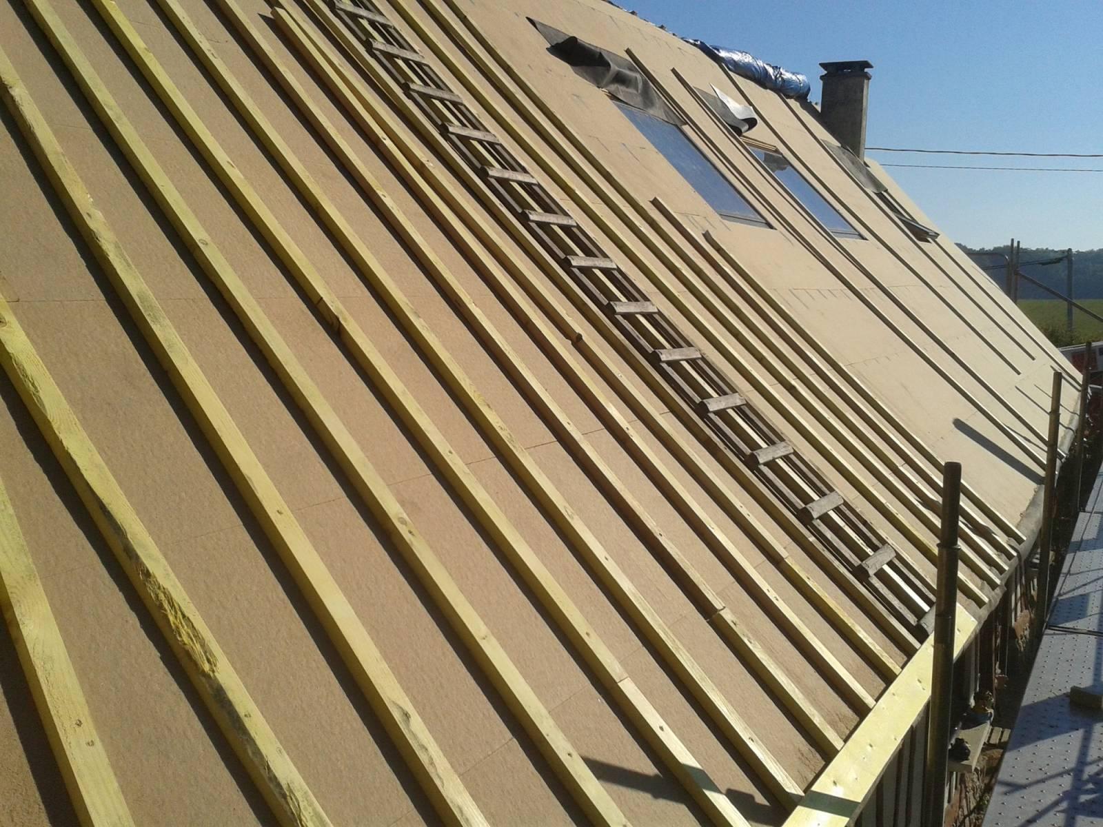 isolation toiture avec isolation en laine de bois steico et pose ch ssis velux sur toit ardoisie. Black Bedroom Furniture Sets. Home Design Ideas